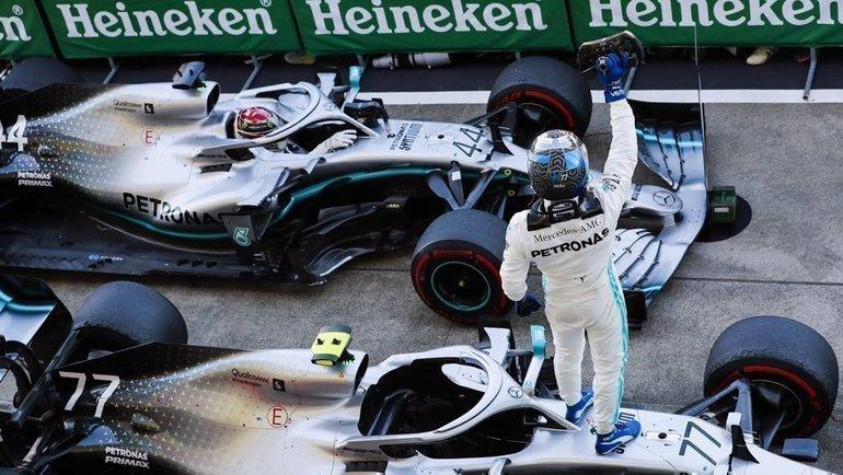 Валттери Боттас празднует победу на «Гран-при Японии». Фото twitter.com/MercedesAMGF1