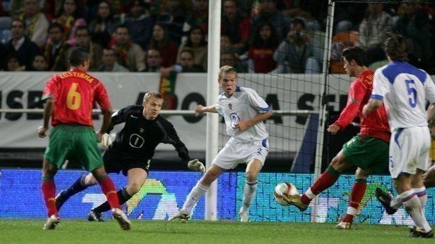 13октября 2004 года. Лиссабон. Португалия— Россия— 7:1. Криштиану Роналду забивает гол. Фото Александр Федоров,