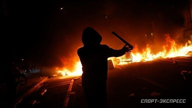 16октября. Барселона. Протест перерос воткрытые столкновения сполицией города.