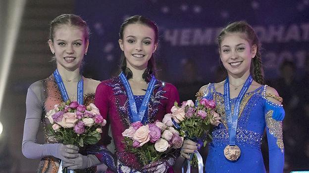 Александра Трусова, Анна Щербакова, Алена Косторная. Фото Ксения Нуртдинова