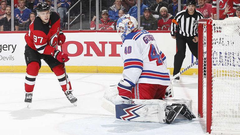 18октября. Нью-Джерси. «Нью-Джерси»— «Рейнджерс»— 5:2. Никита Гусев ватаке. Фото NHL