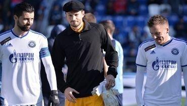 Вратарь «Оренбурга» вышел наполе вкепке вчесть Яшина. Ноего ошибка стоила команде очков