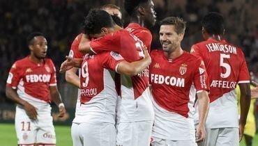 25октября. Нант. «Нант»— «Монако»— 0:1. Игроки «Монако» празднуют гол.