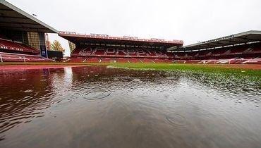 Матч чемпионшипа пришлось перенести из-за полностью затопленного поля