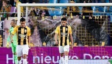 26октября. Арнем. «Витесс»— «Ден Хаг»— 0:2. Игроки «Витесса» после пропущенного гола.