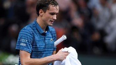 Медведев упустил шанс обойти Федерера. Внезапное поражение Даниила