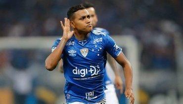 Педро Роша вБразилии: пнул бутылку ускамейки, мало забивает, готов остаться в «Крузейру»