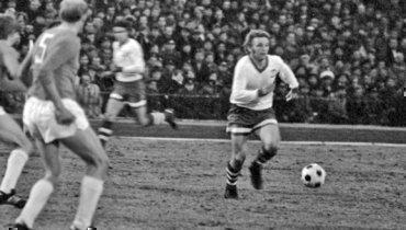 Смячом— Анатолий Шепель. После годичной дисквалификации весной 1977 года закатилась карьера этого безусловно талантливого футболиста.