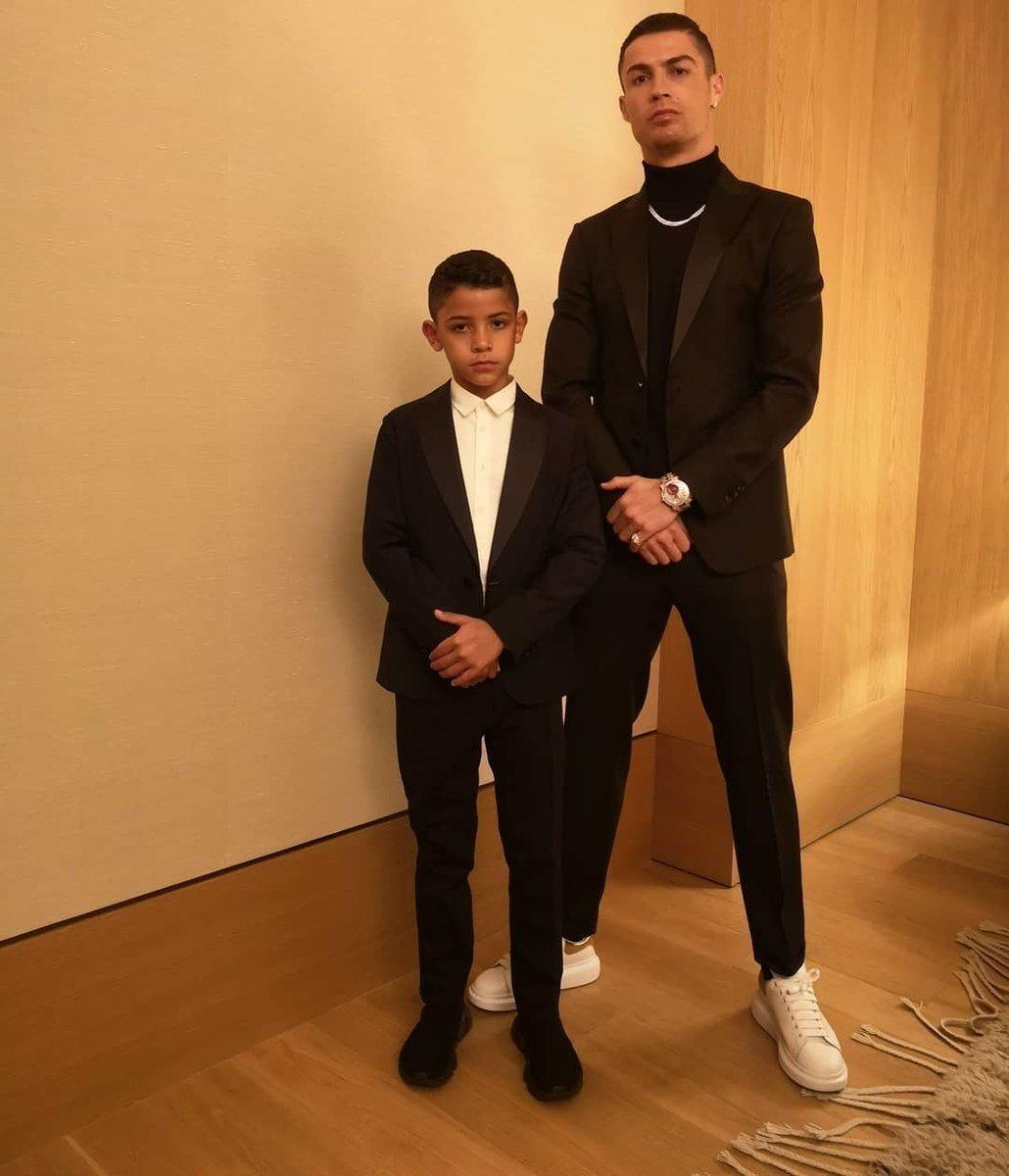 Сын Криштиану Роналду забивает гораздо больше отца. Растет суперзвезда
