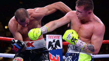2ноября. Лас-Вегас. Сергей Ковалев (слева) против Сауля Альвареса.