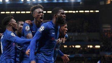 5ноября. Лондон. «Челси»— «Аякс»— 4:4. Английская команда отыгралась с1:4.