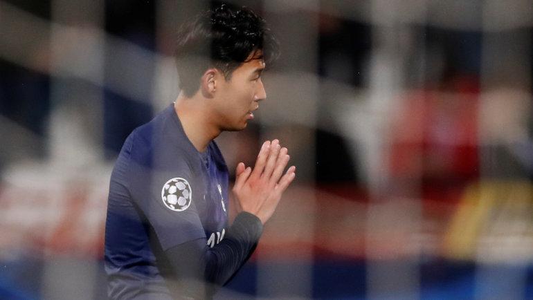 Сон Хын Мин иего жест после первого гола вматче с «Црвеной Звездой». Фото Reuters