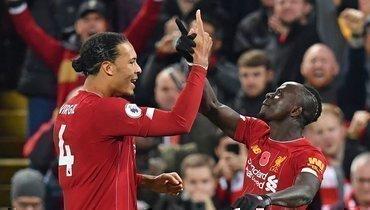 10ноября. Ливерпуль. «Ливерпуль»— «Манчестер Сити»— 3:1. Виргил ван Дейк (слева) иСадио Мане.
