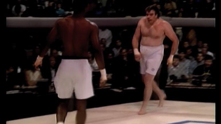 Кевин Розье (справа) против Зейна Фрейзера.