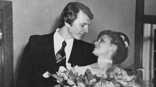 Сергей иНаталья Гимаевы вовремя свадебной церемонии. Фото изархива Сергея Гимаева