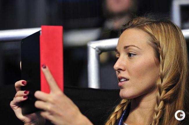 Елена Ристич на турнире в Лондоне 7 ноября 2012 года. AFP.