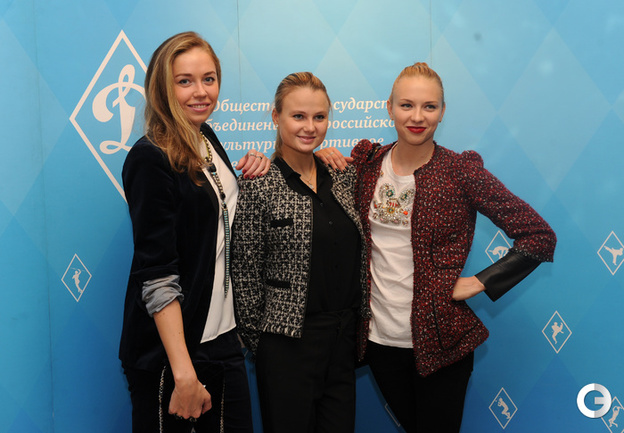 Олимпийские чемпионки Лондона по синхронному плаванию. Дарья Коробова, Александра Пацкевич и Анжелика Тимакина. (слева направо).