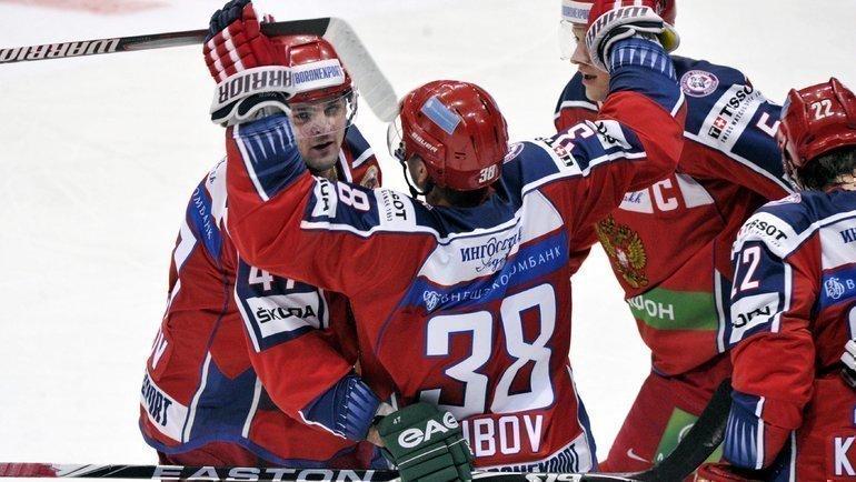 Сергей Зубов (второй слева). Фото Reuters