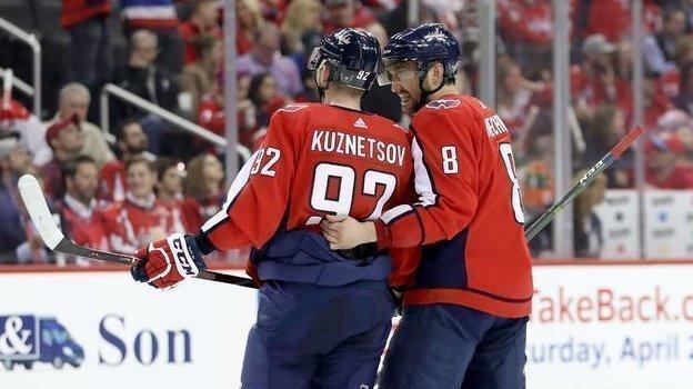 Евгений Кузнецов и Александр Овечкин. Фото AFP
