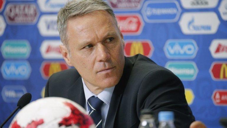 Марко ван Бастен попал вскандал, объясняя матч «Аякс»— «Хераклес»