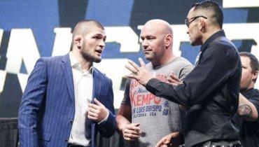 Хабиб Нурмагомедов (слева), глава UFC Дана Уайт иТони Фергюсон.
