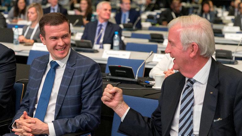 Новый президент ВАДА поляк Витольд Банка (слева) ибританец Крейг Риди, который уйдет споста главы организации вконце 2019 года. Фото Reuters