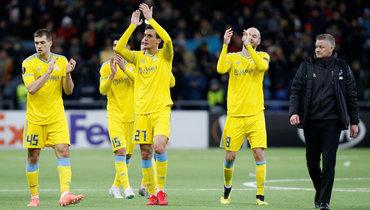 28ноября. Нур-Султан. «Астана»— «Манчестер Юнайтед»— 2:1. Команда Уле Гуннара Сульшера (справа) забила первой, нопроиграла.