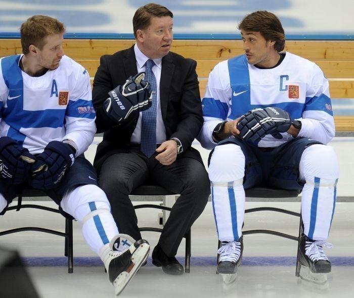 Яри Курри (вцентре), Теему Селянне (справа) иЛео Комаров. Фото Reuters