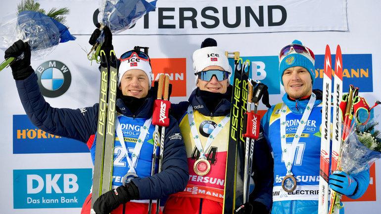 1декабря. Эстерсунд. Матвей Елисеев (справа) сЙоханессом (вцентре) иТарьеем Бе. Фото Reuters