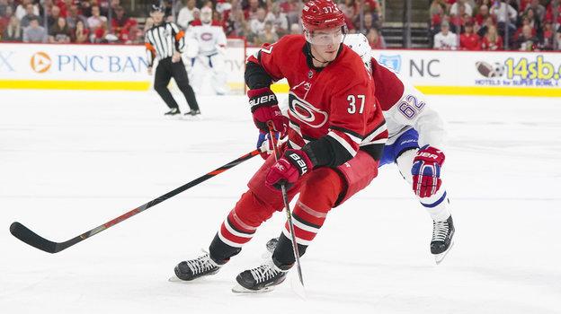 Как играет лучший молодой российский хоккеист Андрей Свечников, разбор Игоря Еронко