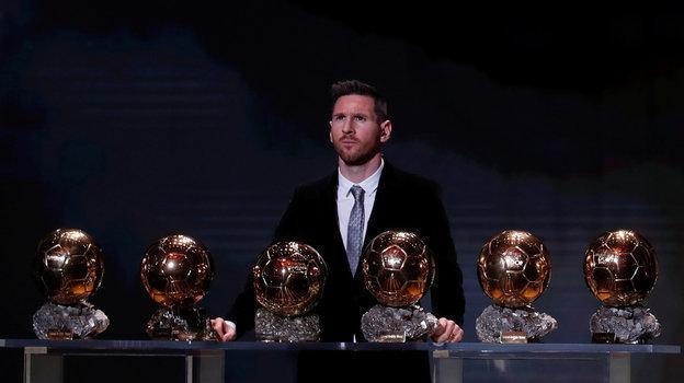Аргентинец Лионель Месси выиграл приз «Золотой мяч»-2019 вшестой раз вкарьере