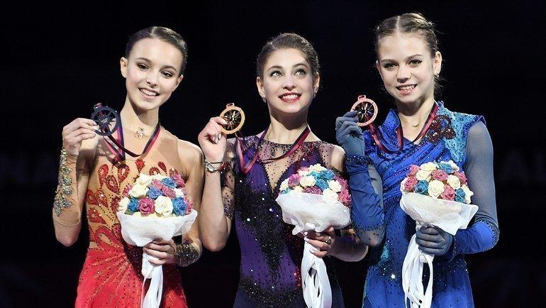 7декабря. Турин. Анна Щербакова, Алена Косторная иАлександра Трусова (слева направо). Фото Reuters