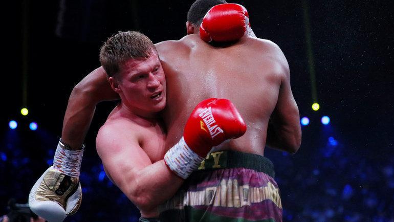 Александр Поветкин против Майкла Хантера. Фото Reuters