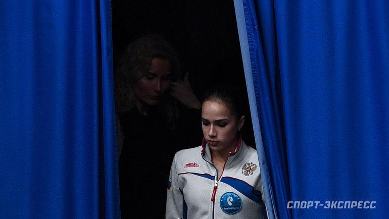 """Алина Загитова (справа) иЭтери Тутберидзе. Фото Дарья Исаева, """"СЭ"""""""