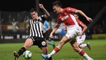 14декабря. Анже. «Анже»— «Монако»— 0:0. Команда Александра Головина (справа) несмогла продлить победную серию.