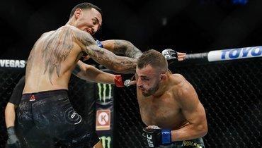 Американец хотел разобраться сХабибом, нопотерял пояс UFC