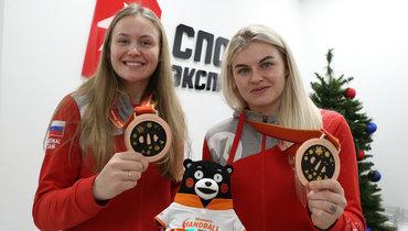Елена Михайличенко иКристина Кожокарь (справа) вредакции «СЭ».