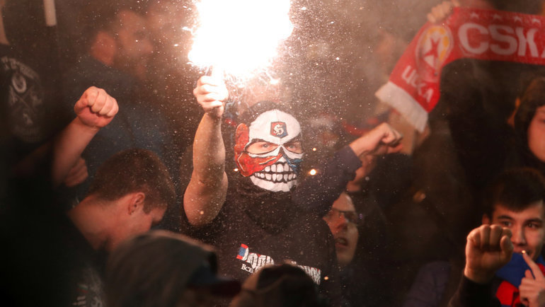 7ноября. Будапешт. «Ференцварош»— ЦСКА— 0:0. Болельщики ЦСКА. Фото Reuters