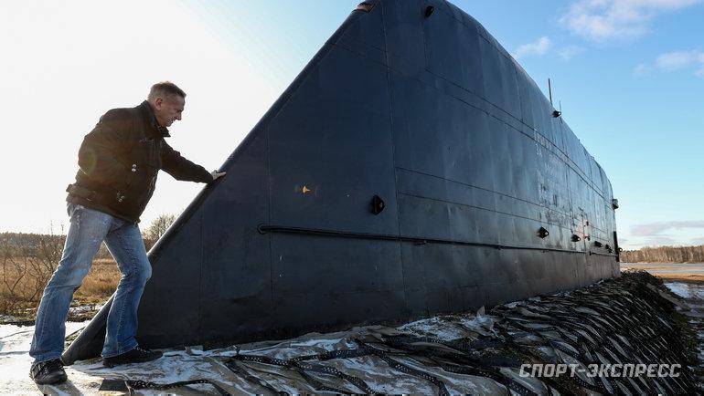 Владимир Романов иподводная лодка К-19, которую он пытается восстановить. Фото Дарья Исаева, «СЭ» / Canon EOS-1D X Mark II