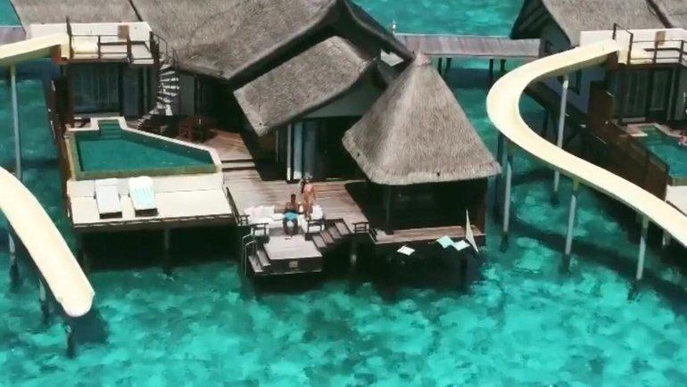 ЗеЛуиш проводит отпуск наМальдивах сосвоей девушкой Алесей. Фото instagram.com
