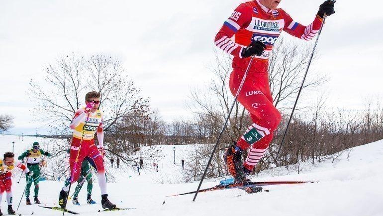 Александр Большунов (справа). Фото AFP