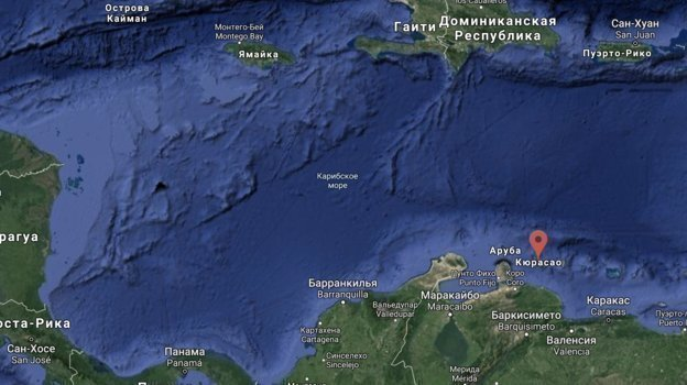 НаКюрасао (остров вКарибском море) Емельяненко встретился сруководителями UFC— Даной Уайтом иЛоренцо Фертиттой.