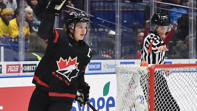 Сборная Канады обыграла Россию сосчетом 4:3 вфинале молодежного чемпионата мира-2020. Фото IIHF