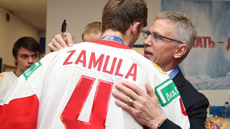 5 января. Егор Замула и Игорь Ларионов в раздевалке после поражения. Фото ФХР