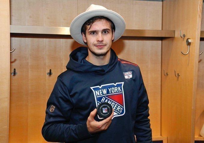 Игорь Шестеркин провел первый матч вНХЛ. Фото New York Rangers