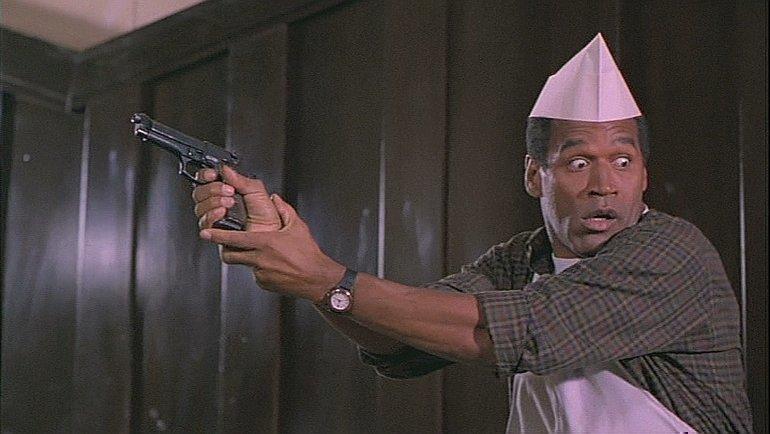 Кадр изфильма «Голый пистолет 33 1/3: Последний выпад» (1994), вкотором снялся О. Джей Симпсон.