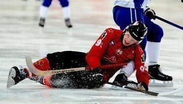 «СКА-Нефтяник» уступил первую строчку втаблице чемпионата России.