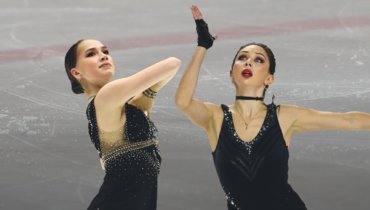 Алина Загитова (слева) иЕлизавета Туктамышева.