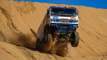 Экипаж Каргинова стал победителем «Дакара» вклассе грузовиков