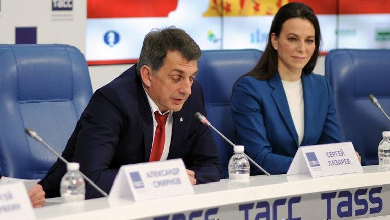 Президент Федерации шахмат Москвы Сергей Лазарев (слева).
